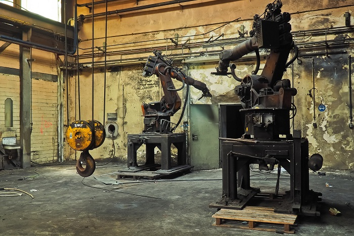 The machines that gave the Rust Belt its name are still at it.