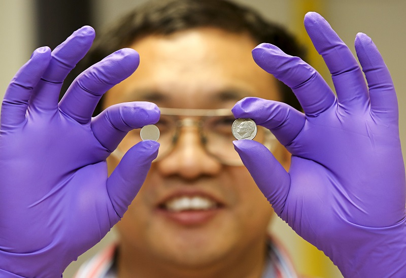 Researchers from Australia, Belgium, and Germany have developed a viable new design for lithium-sulfur batteries.
