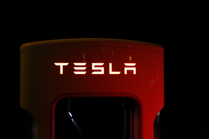Tesla's groundbreaking battery and charging technologies are helping the company lower costs faster than its competitors.